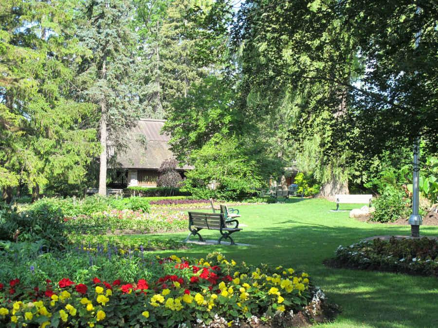 Toronto Botanical Garden 11