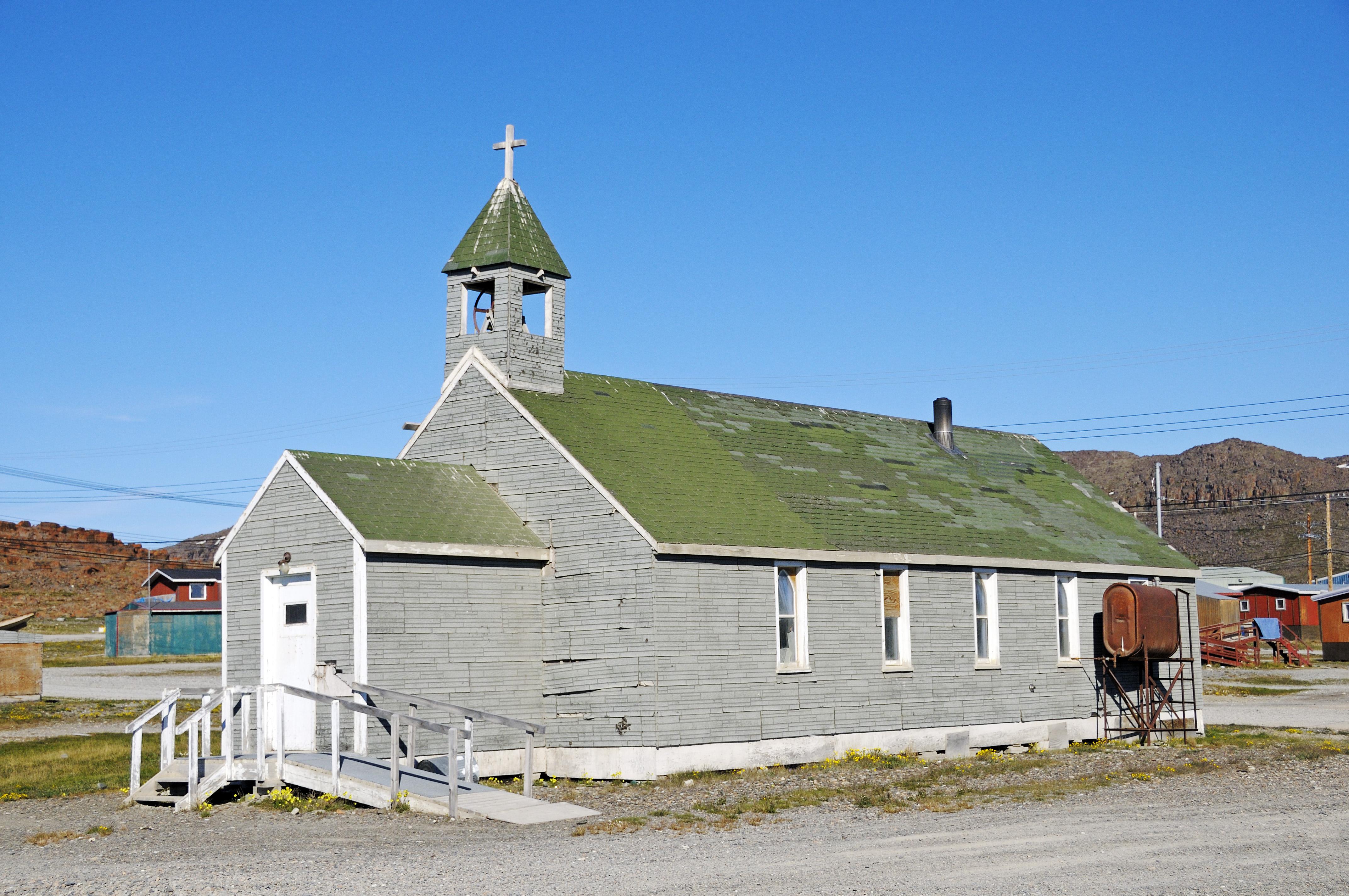 Kirche im Dorf Ulukhaktok, Victoria Island (vorher Holman Island), Northwest Territories, Kanada, Amerika